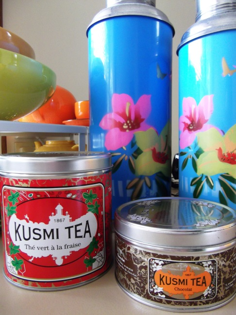 Kusmi Tea tin packaging