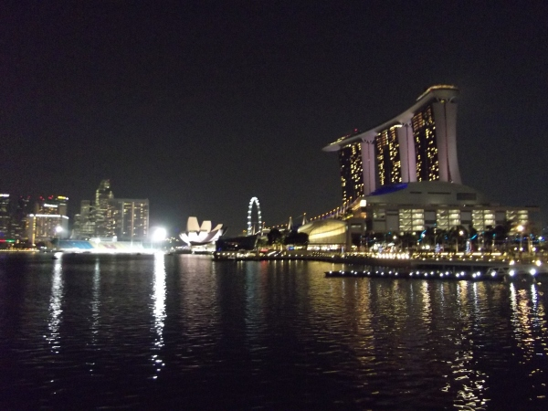 Singapore waterfront skyline - Marina Bay Sands