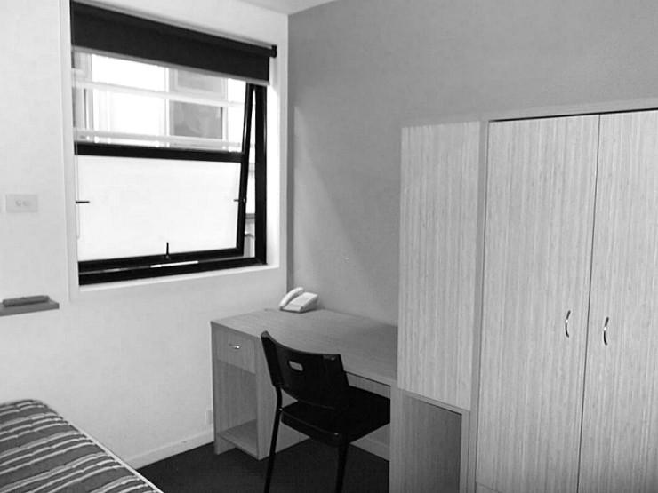 268 Flinders Street Melbourne studio desk cupboard bed