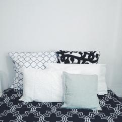 Bed view Unit 911 268 Flinders Street Home@Flinders Melbourne Studio by Ideas Dispenser