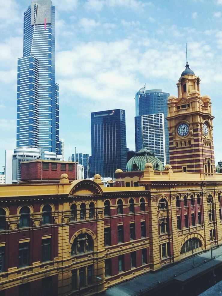 911/268 Flinder Street Melbourne roof terrace view Southbank studio apartment