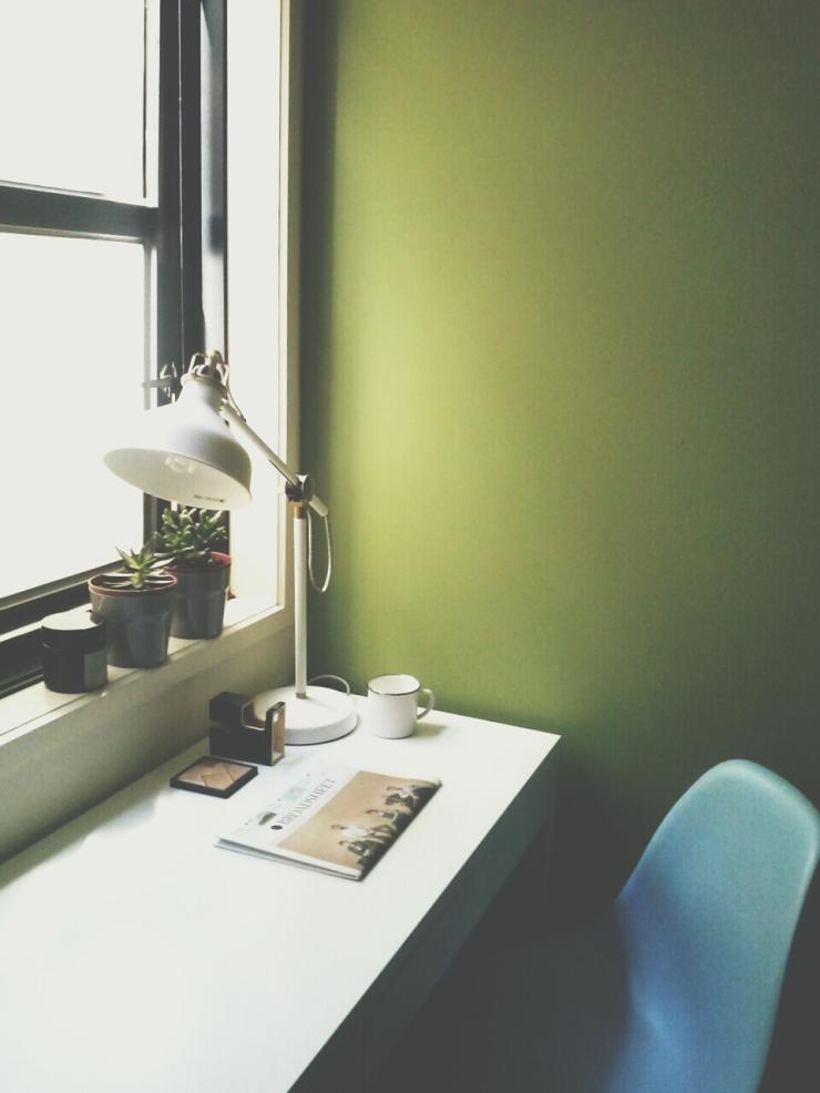 911/268 Flinder Street Melbourne desk window view studio apartment