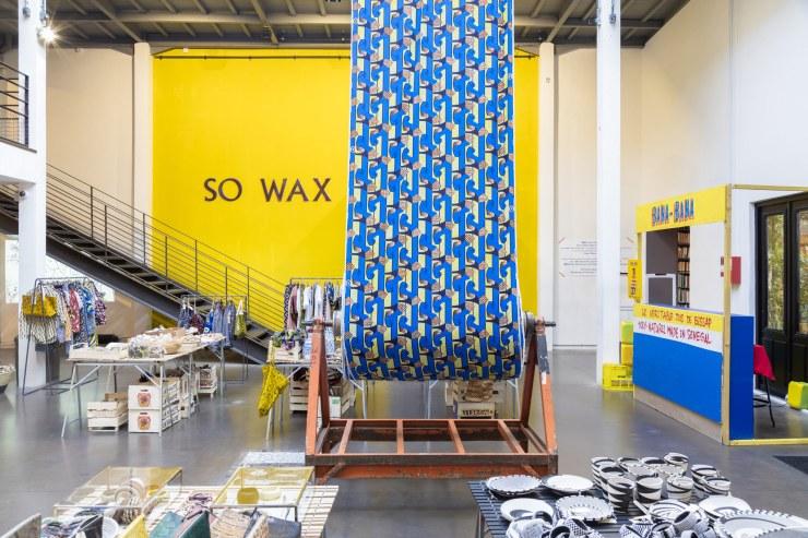 16-03-So-Wax-Merci Paris exhibition installation front foyer