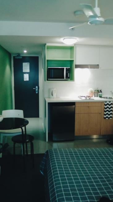 Unit 911 268 Flinders Street Home@Flinders Melbourne Studio by Ideas Dispenser 2016 kitchen corridor view