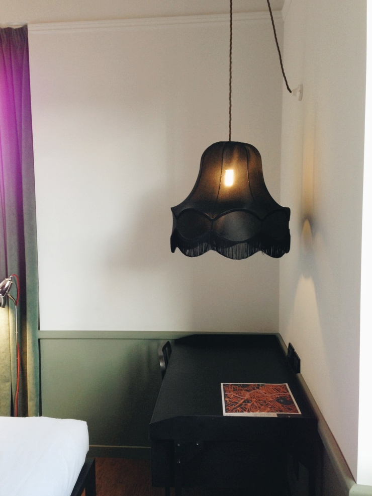 Generator Hostel Rome Room desk and lamp