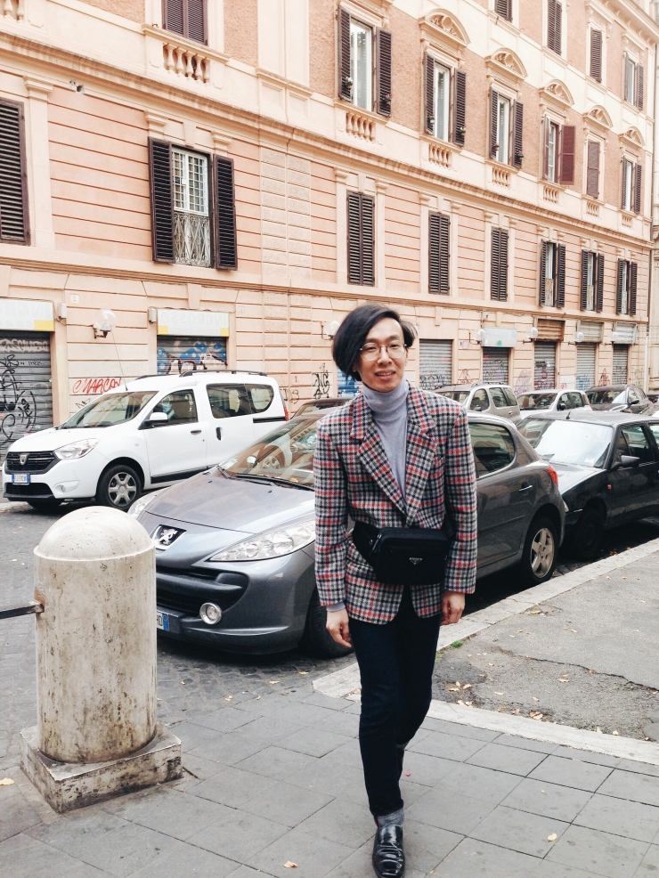 OOTD in Esquilino Rome wearing vintage blazer and Prada waist pouch