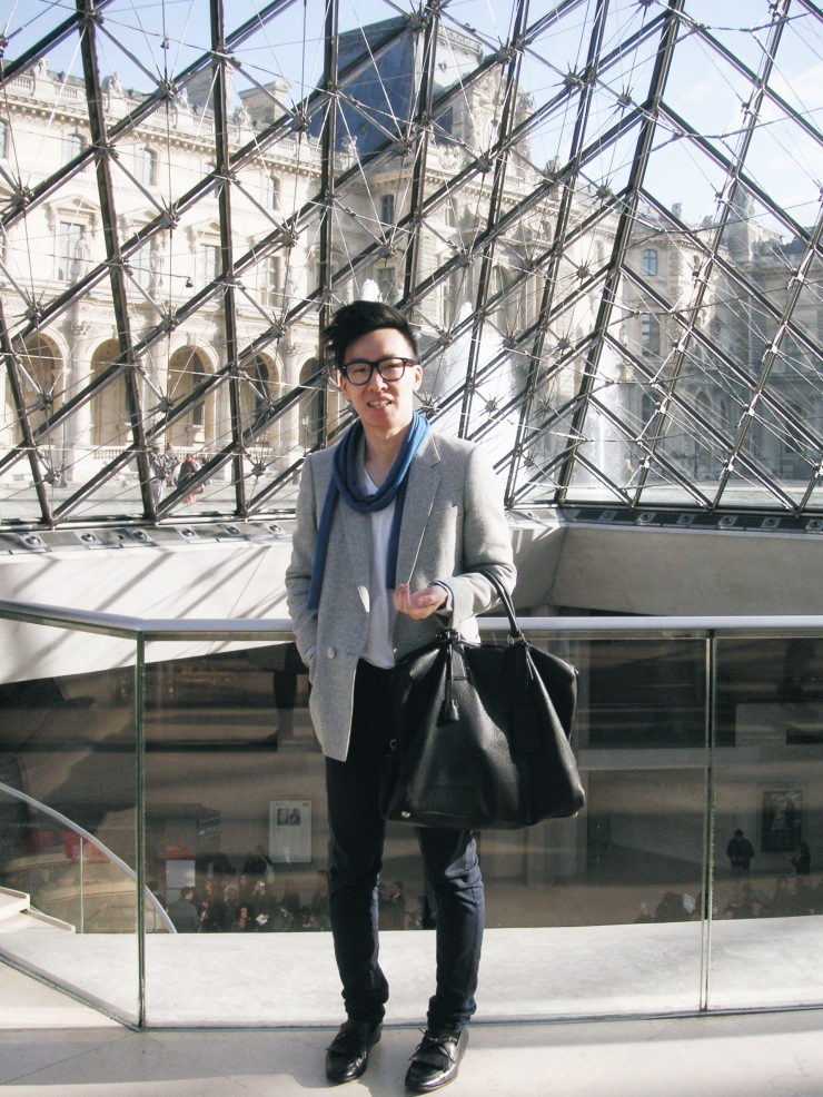 Alvin Chia Melbourne in Paris Louvre 2009 Street Style Stylist